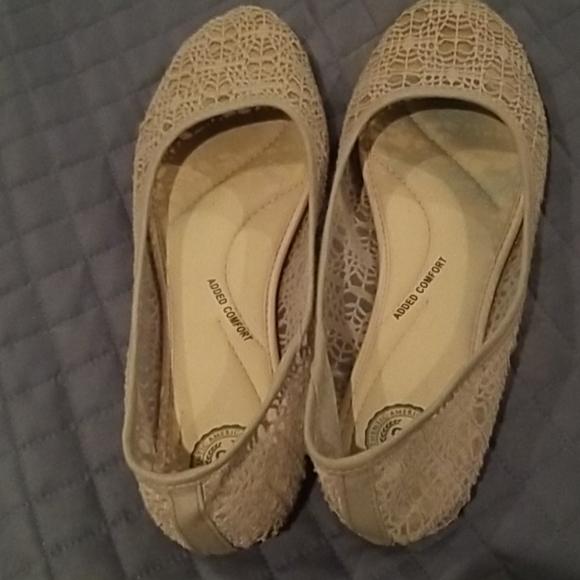 Slip on flats, gray lace, reinforced toe